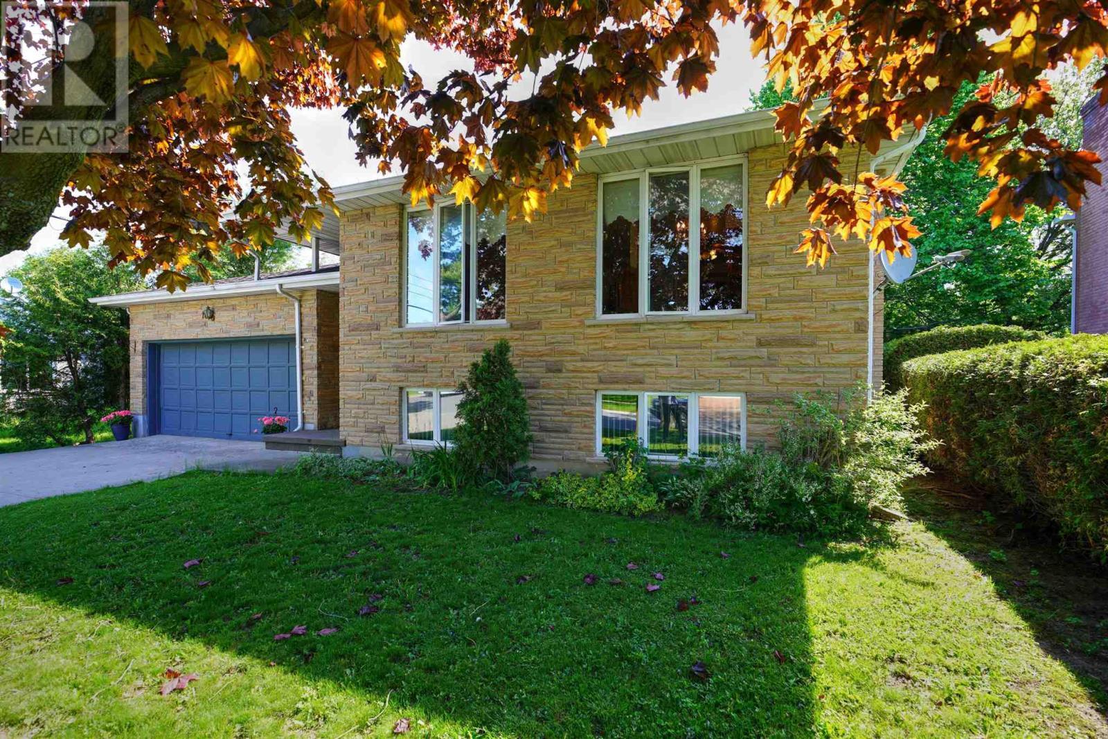 16 Glencoe Cres, Kingston, Ontario  K7M 7H2 - Photo 2 - K21003440
