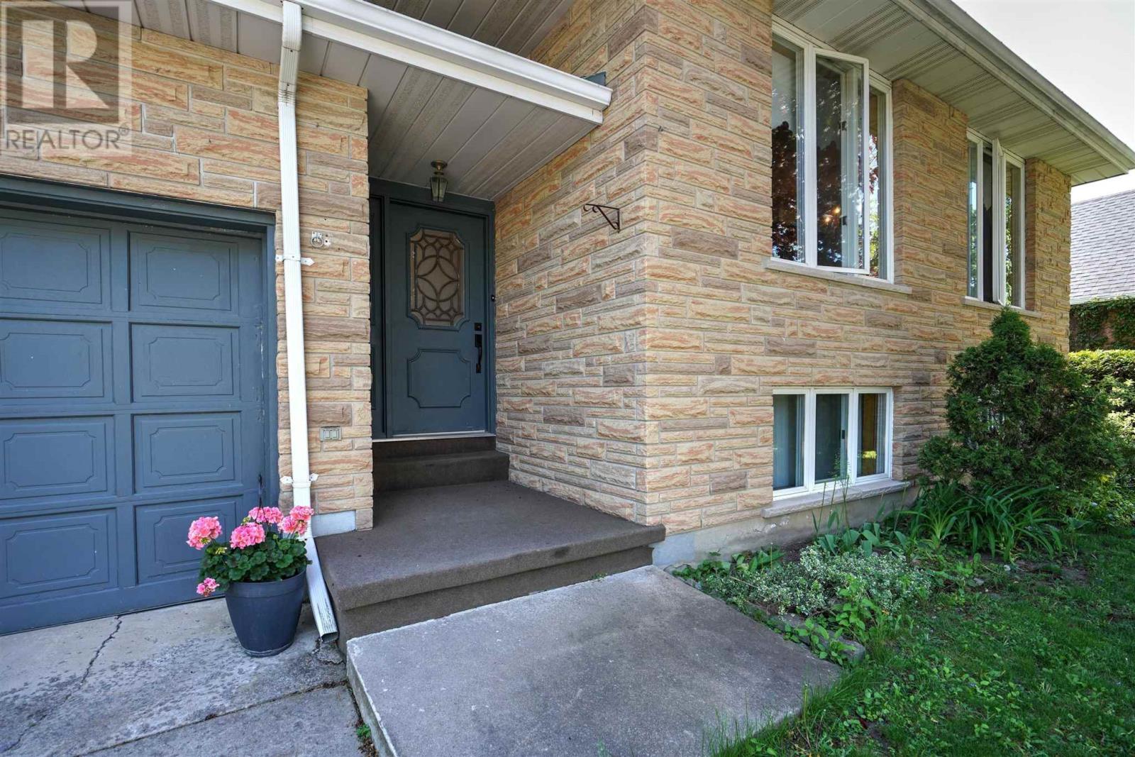 16 Glencoe Cres, Kingston, Ontario  K7M 7H2 - Photo 3 - K21003440
