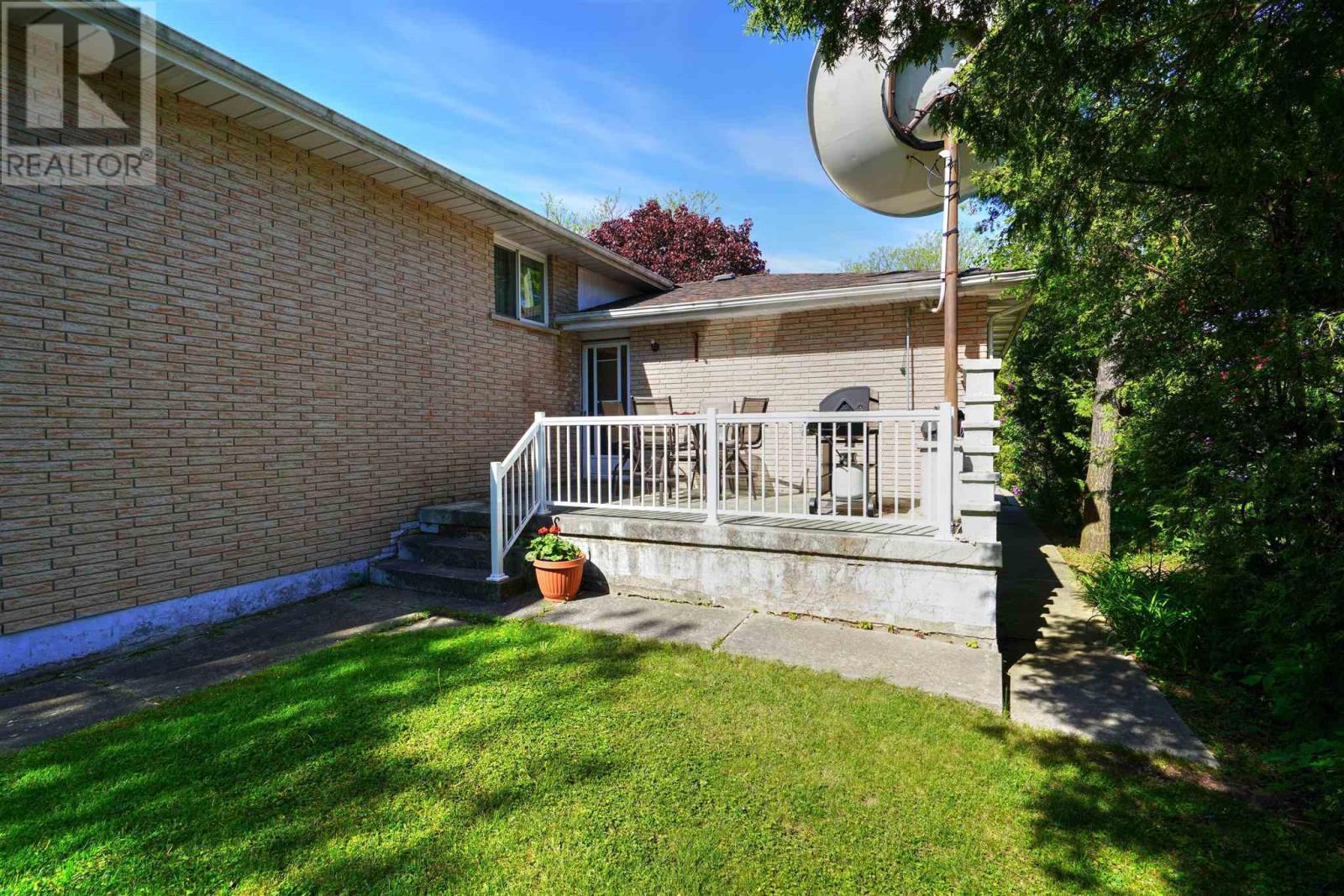 16 Glencoe Cres, Kingston, Ontario  K7M 7H2 - Photo 44 - K21003440