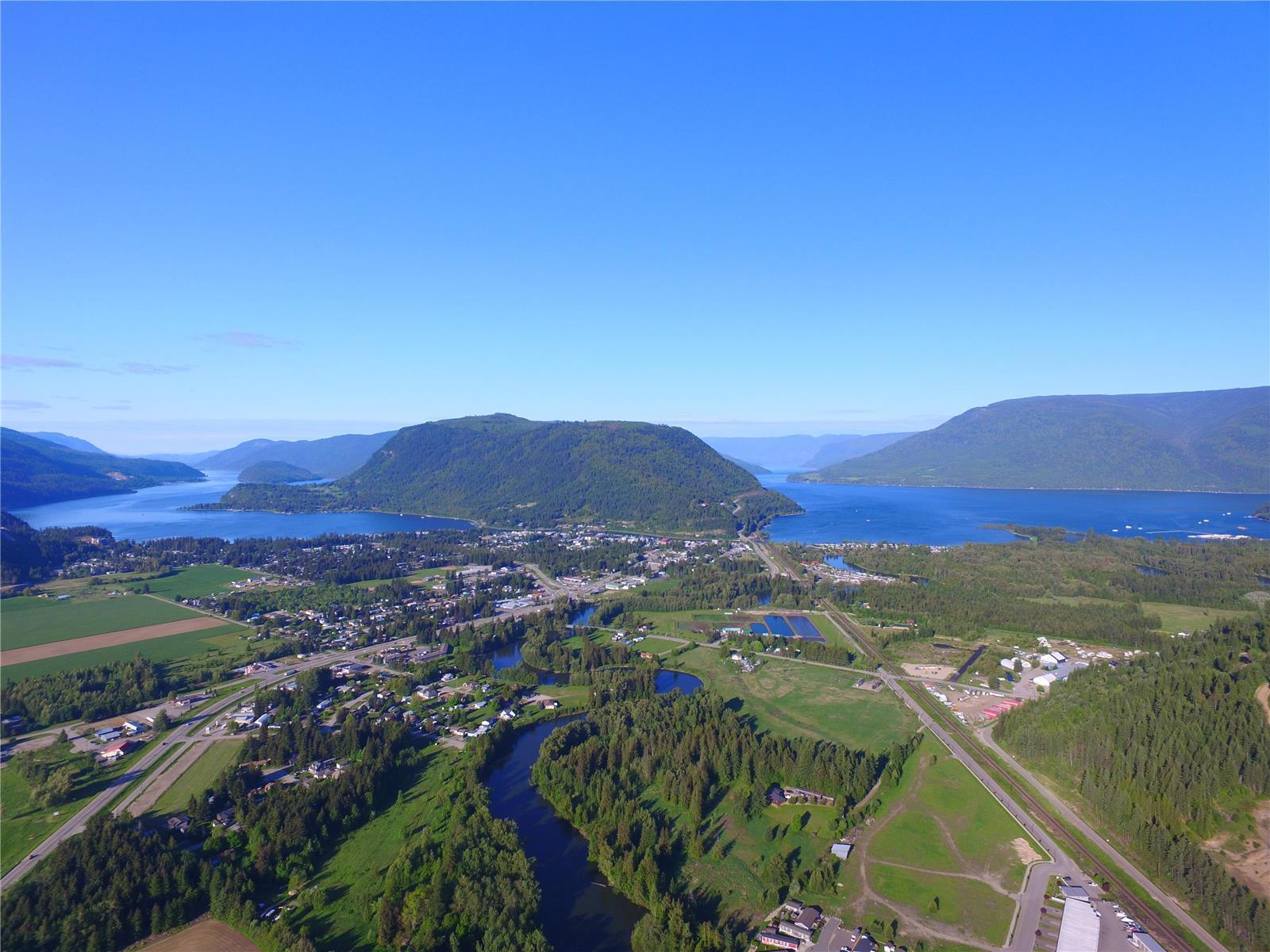 1310 Trans Canada Highway,, Sicamous, British Columbia  V0E 2V1 - Photo 15 - 10225863