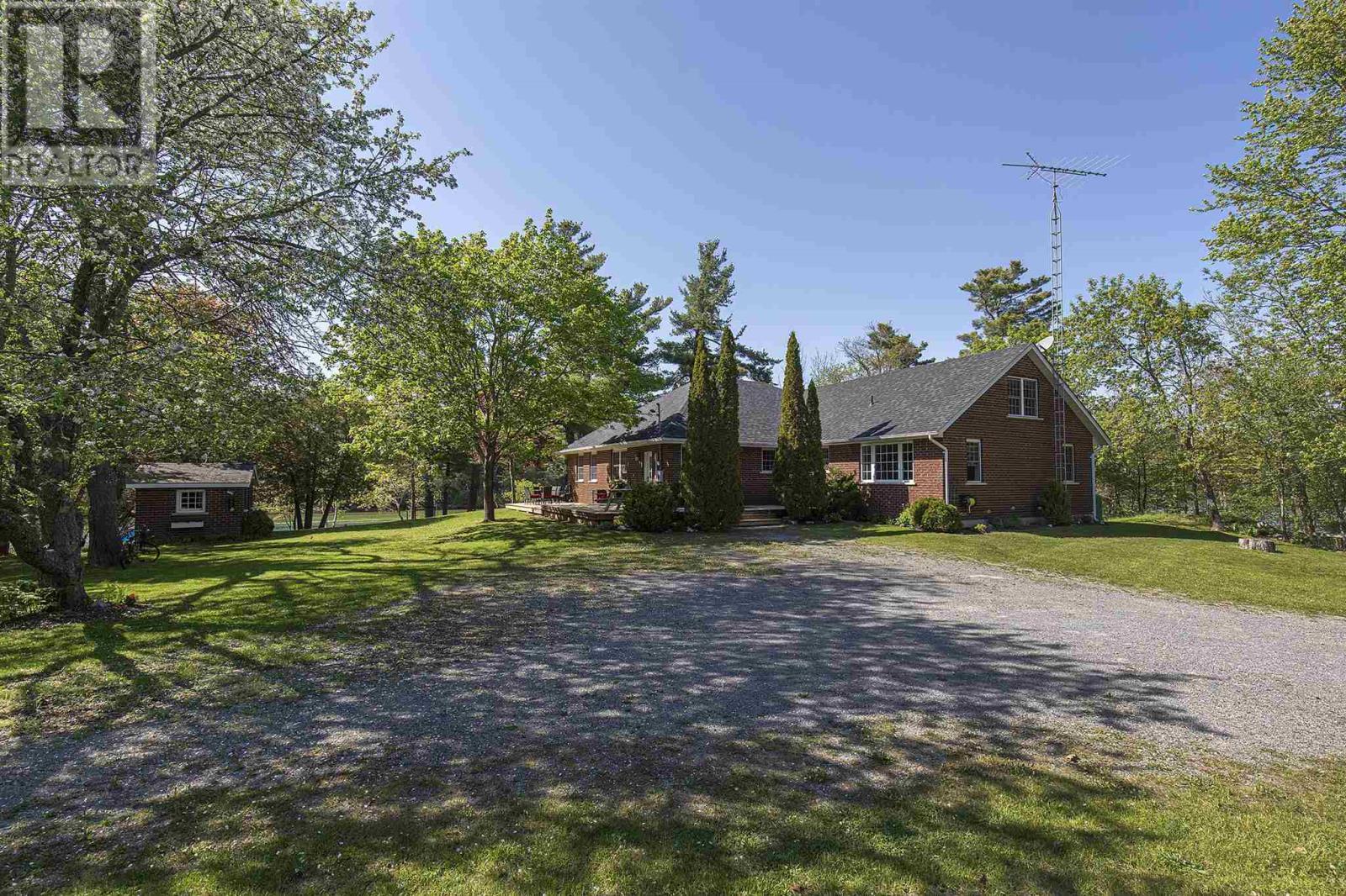 1026 Shannon Ln, Inverary, Ontario  K0H 1M0 - Photo 3 - K21003792