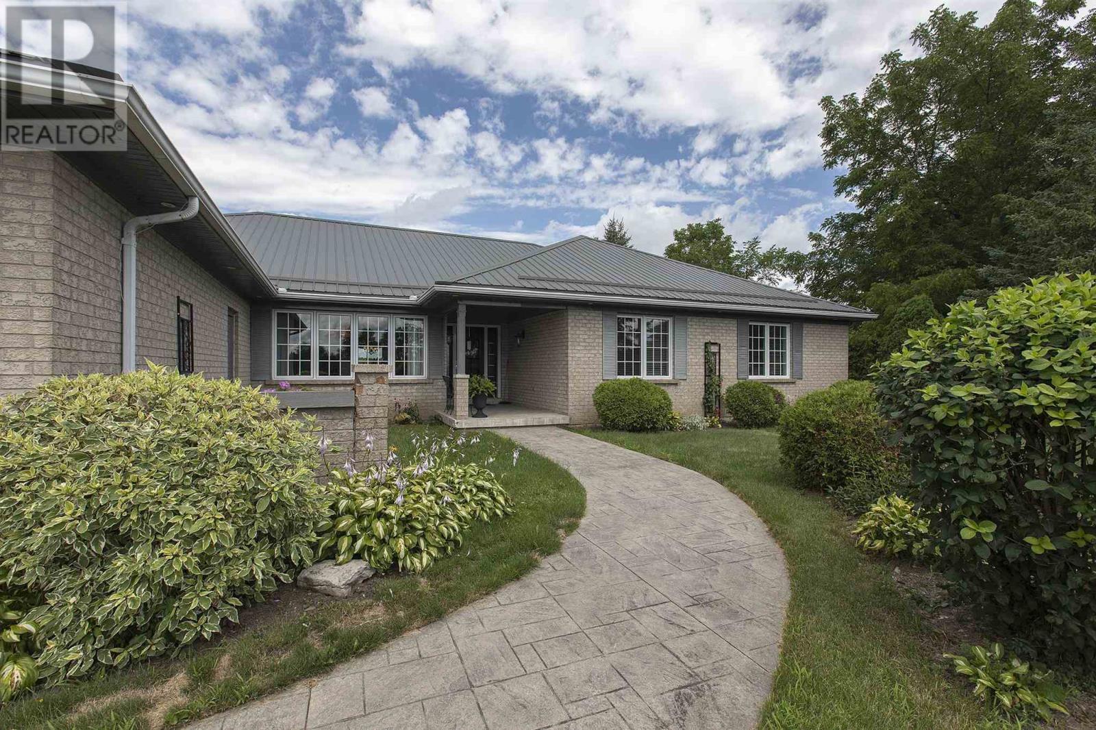 1125 County Road 9, Greater Napanee, Ontario  K7R 3K8 - Photo 1 - K21003609