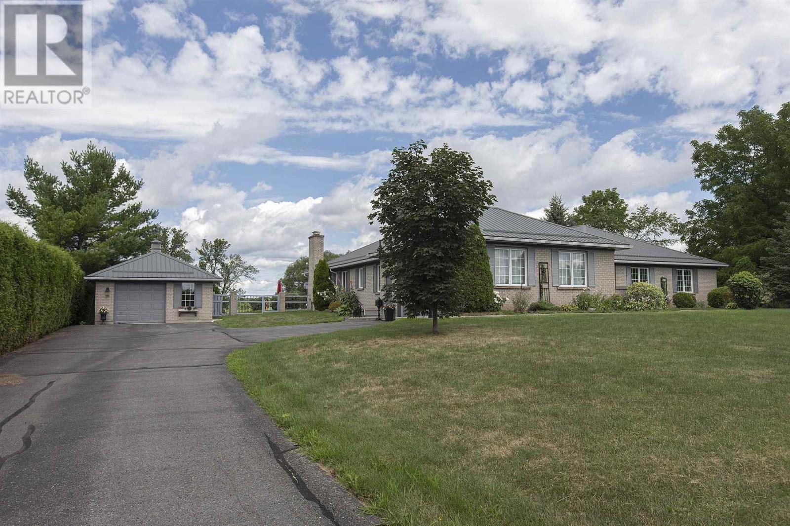 1125 County Road 9, Greater Napanee, Ontario  K7R 3K8 - Photo 2 - K21003609
