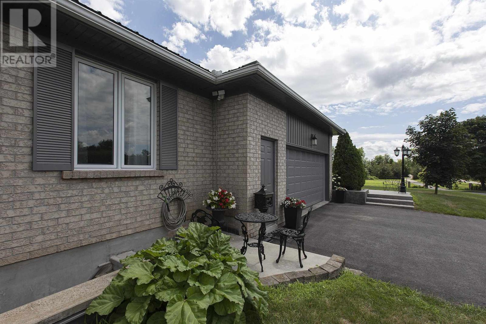 1125 County Road 9, Greater Napanee, Ontario  K7R 3K8 - Photo 4 - K21003609