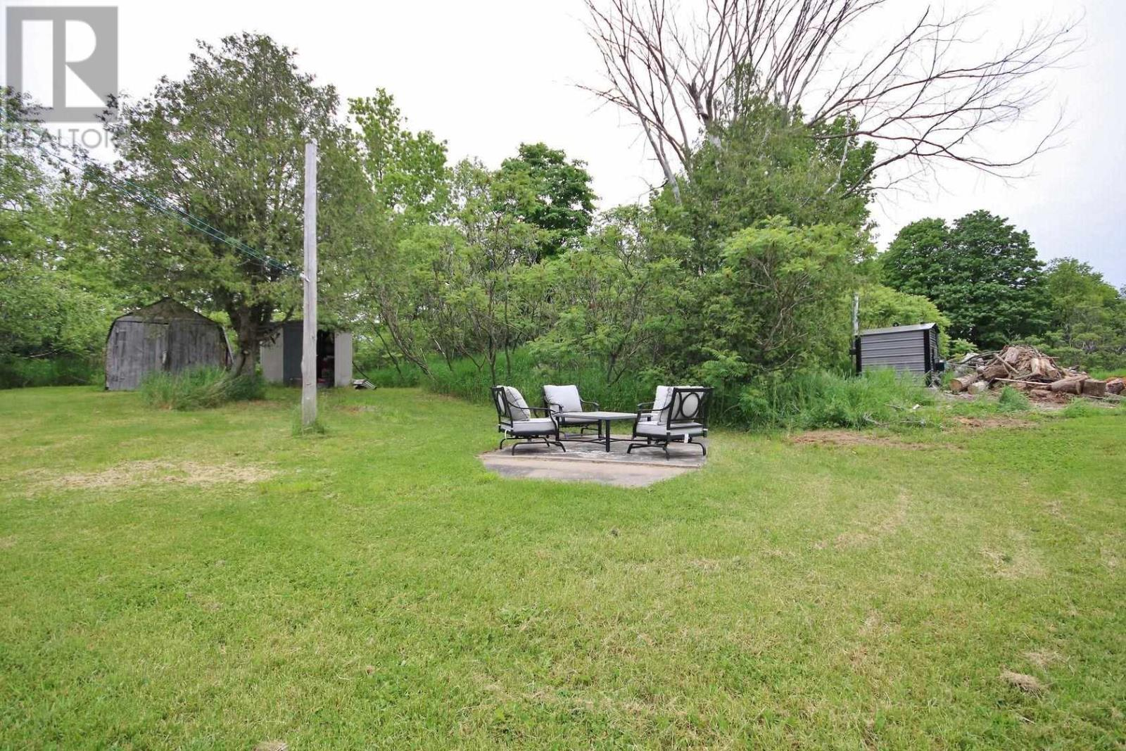 296 Berryton Rd, Leeds And 1000 Islands, Ontario  K0H 2N0 - Photo 36 - K21003548