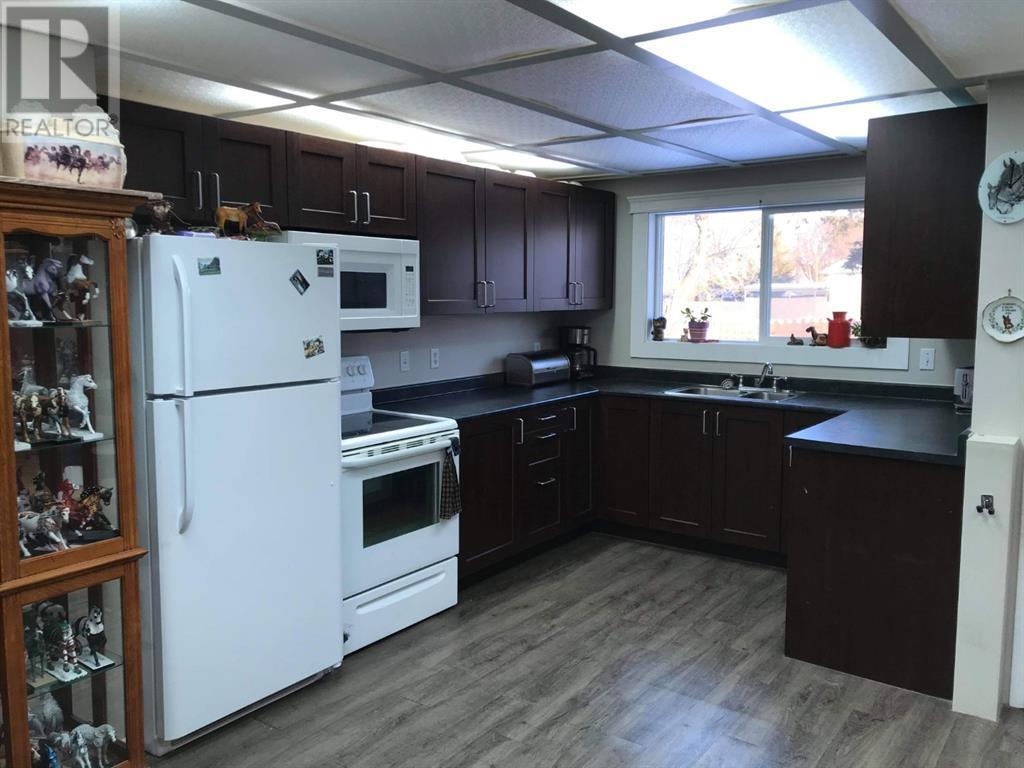 48 5601 48 Street, High Prairie, Alberta  T0G 1E0 - Photo 6 - A1050256