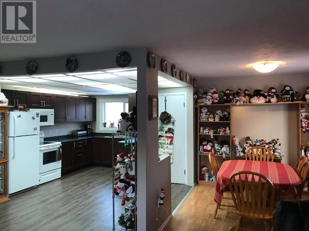 48 5601 48 Street, High Prairie, Alberta  T0G 1E0 - Photo 9 - A1050256