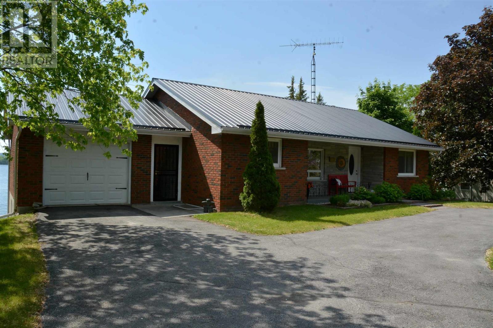 378 Bayshore Rd, Tyendinaga, Ontario  K0K 1X0 - Photo 1 - K21003758