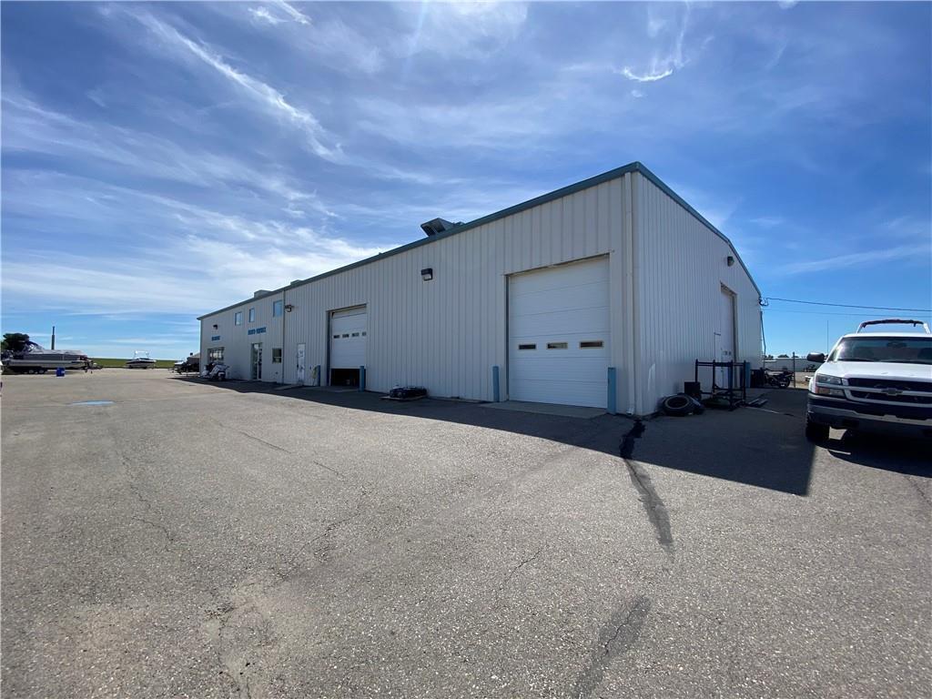 517 Service Rd N, Vulcan, Alberta  T0L 2B0 - Photo 2 - C4303310