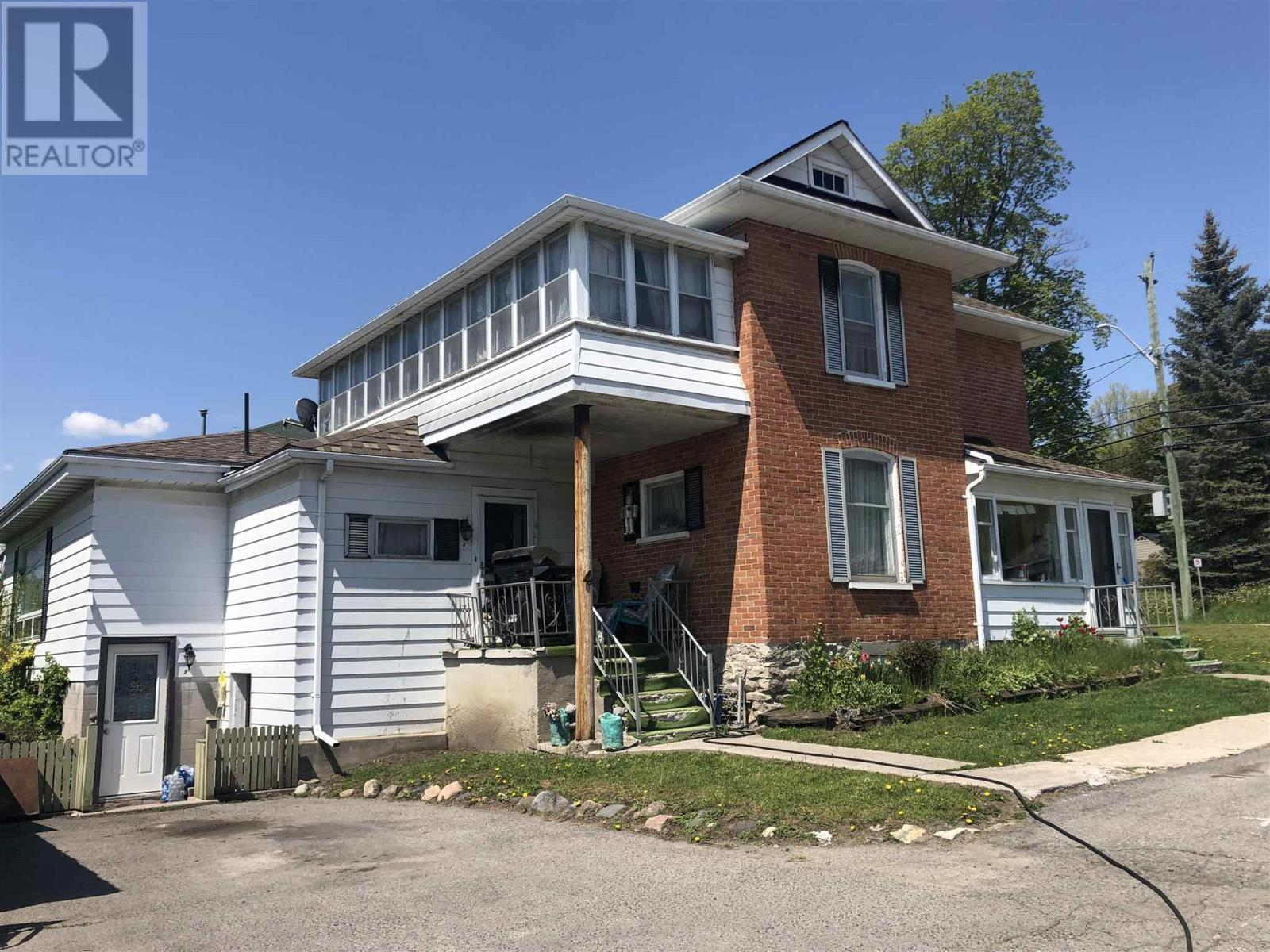 4 Pellissier St, Campbellford, Ontario  L0L 1L0 - Photo 4 - K21003888