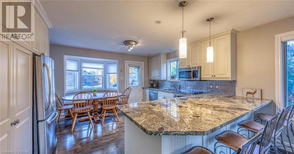104 Laurie's Court, The Blue Mountains, Ontario  L9Y 0L4 - Photo 3 - 40128435