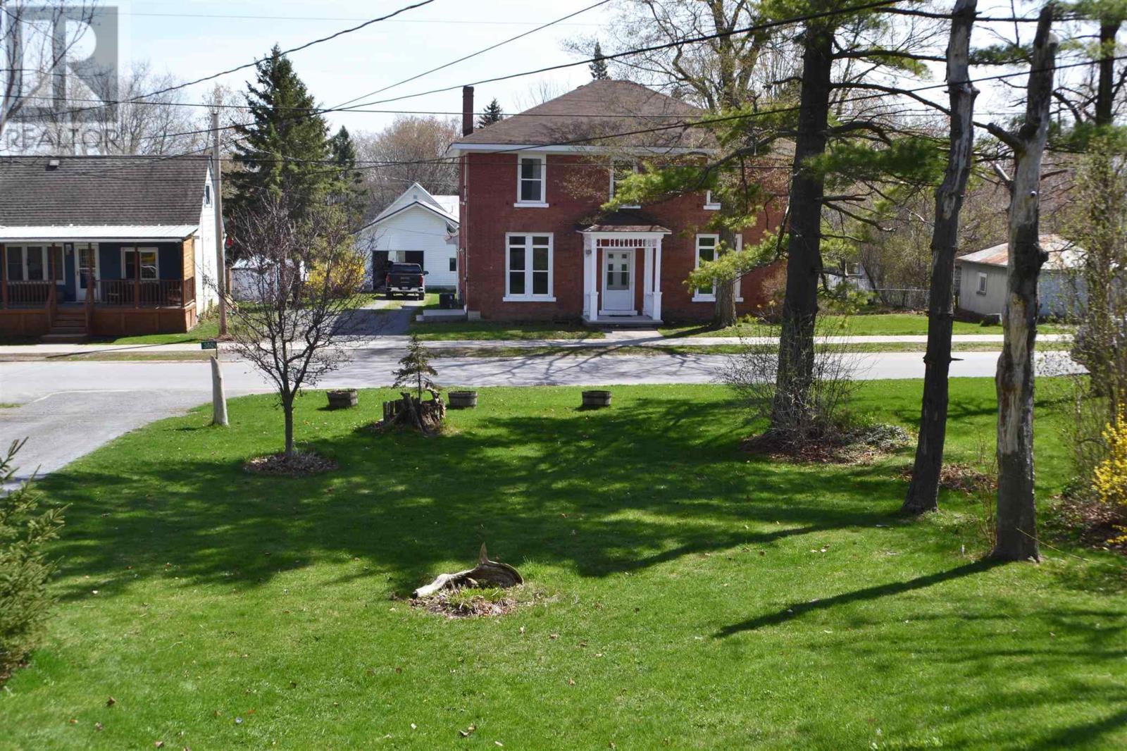 360 Academy St, Bath, Ontario  K0H 1G0 - Photo 11 - K21003461