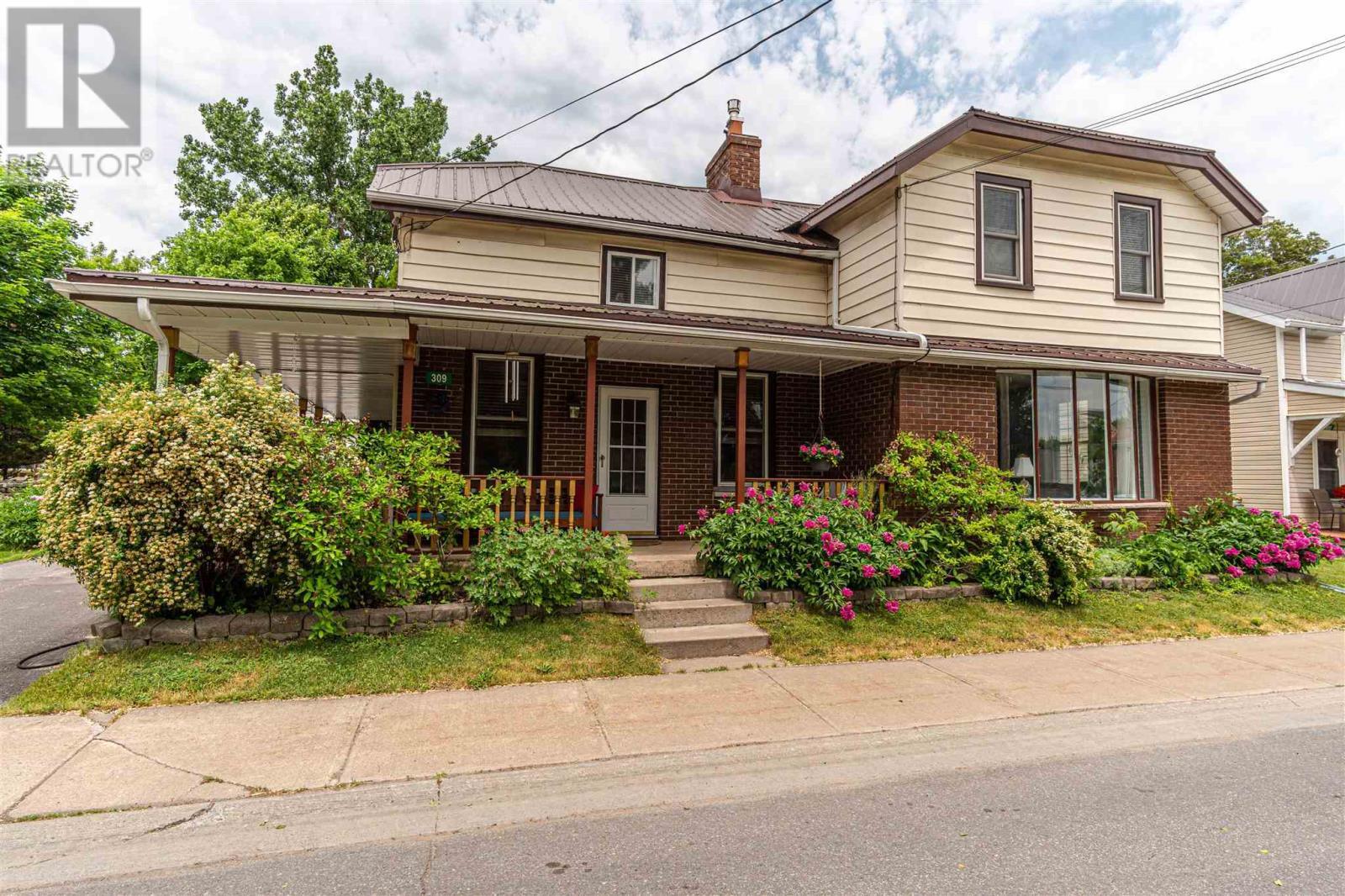 309 Academy St, Newburgh, Ontario  K0K 2S0 - Photo 2 - K21003869