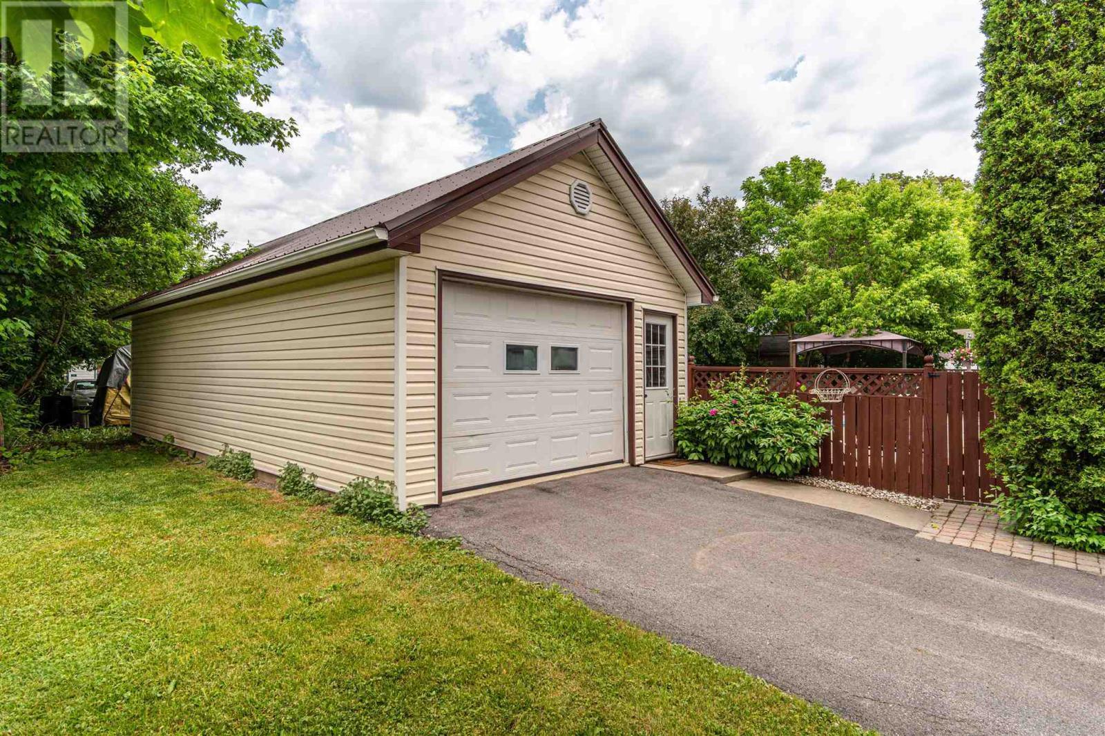 309 Academy St, Newburgh, Ontario  K0K 2S0 - Photo 38 - K21003869