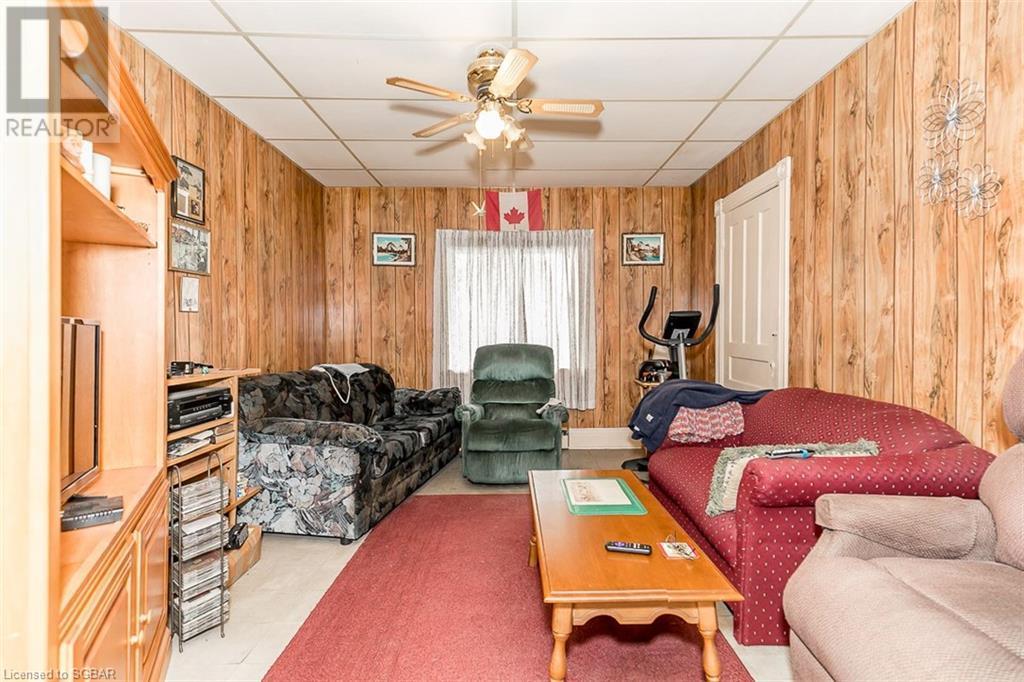 22 Water Street, Penetanguishene, Ontario  L9M 1M8 - Photo 5 - 40130014