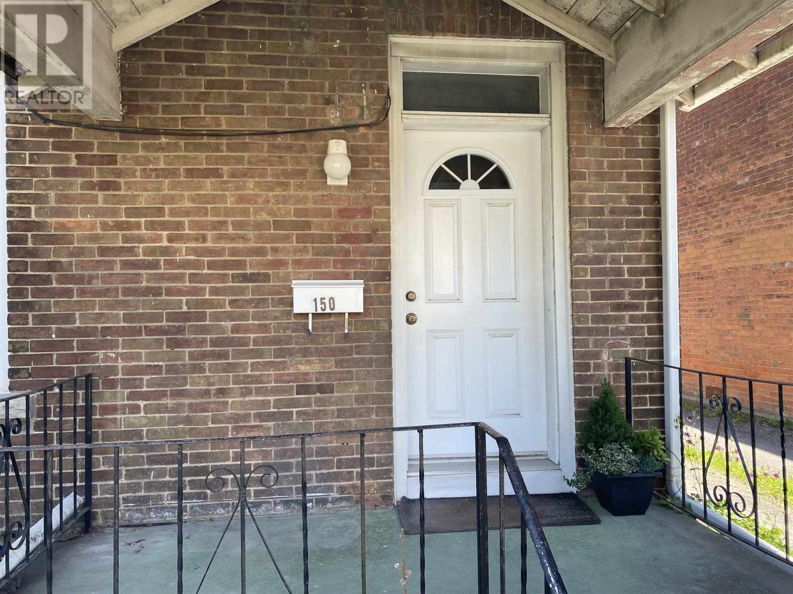 150 Stephen St, Kingston, Ontario  K7K 2C7 - Photo 2 - K21003840