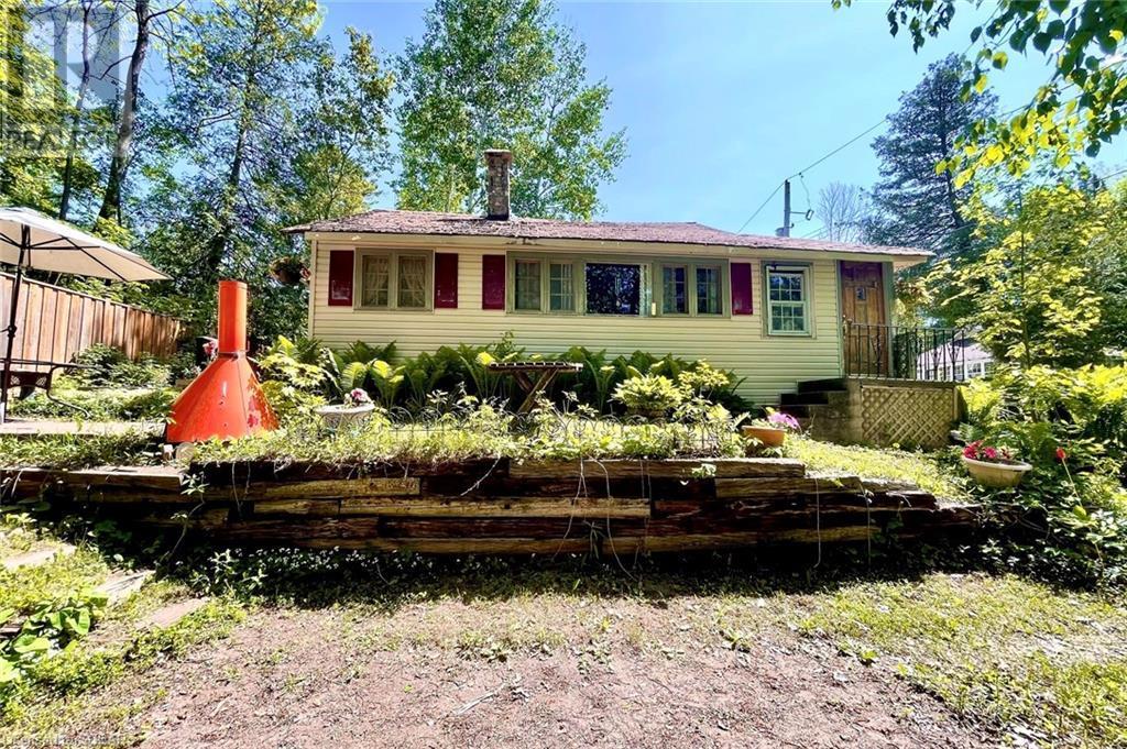 28 Hastings Avenue, Tiny, Ontario  L0L 1P0 - Photo 1 - 40121999