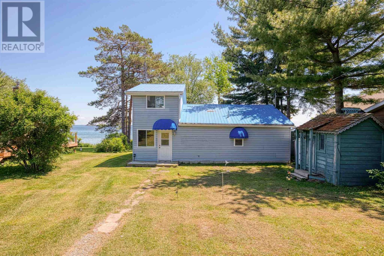 2320 Howe Island Dr, Howe Island, Ontario  K7G 2V6 - Photo 2 - K21003900