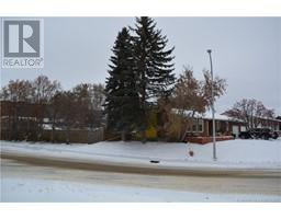 Find Homes For Sale at 7701 94 Street