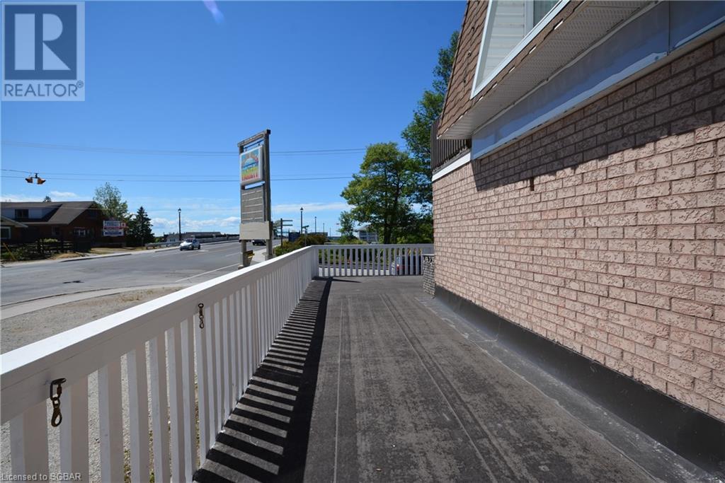 85 Main Street, Wasaga Beach, Ontario  L9Z 2K9 - Photo 3 - 40133510