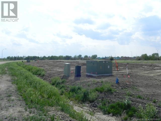 5368 Len Thompson Drive, Lacombe, Alberta  T4L 2H3 - Photo 4 - CA0131976