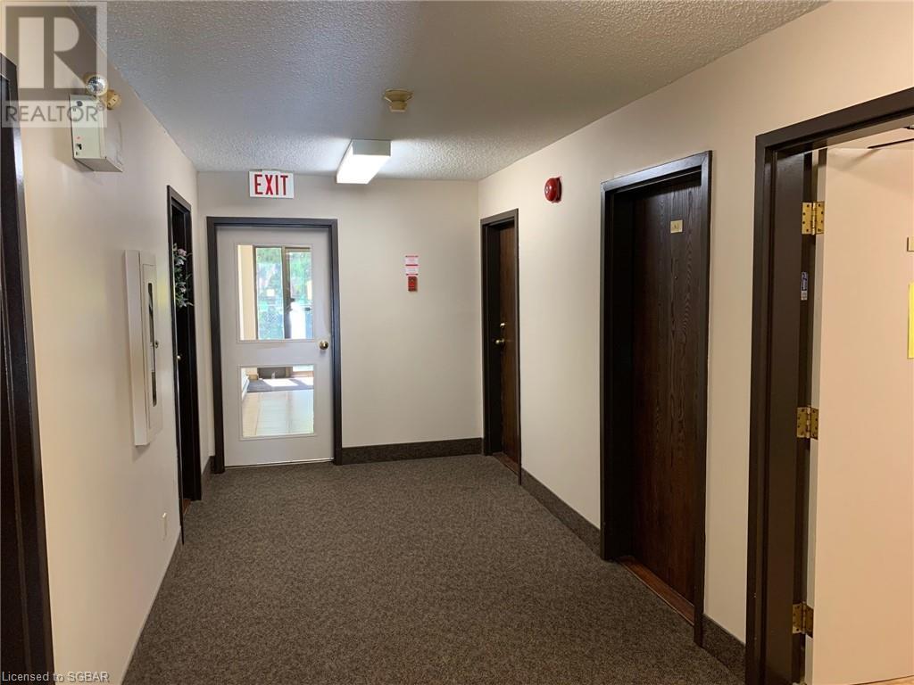 155 Edgehill Drive Unit# K1, Barrie, Ontario  L4N 1L9 - Photo 7 - 40134451