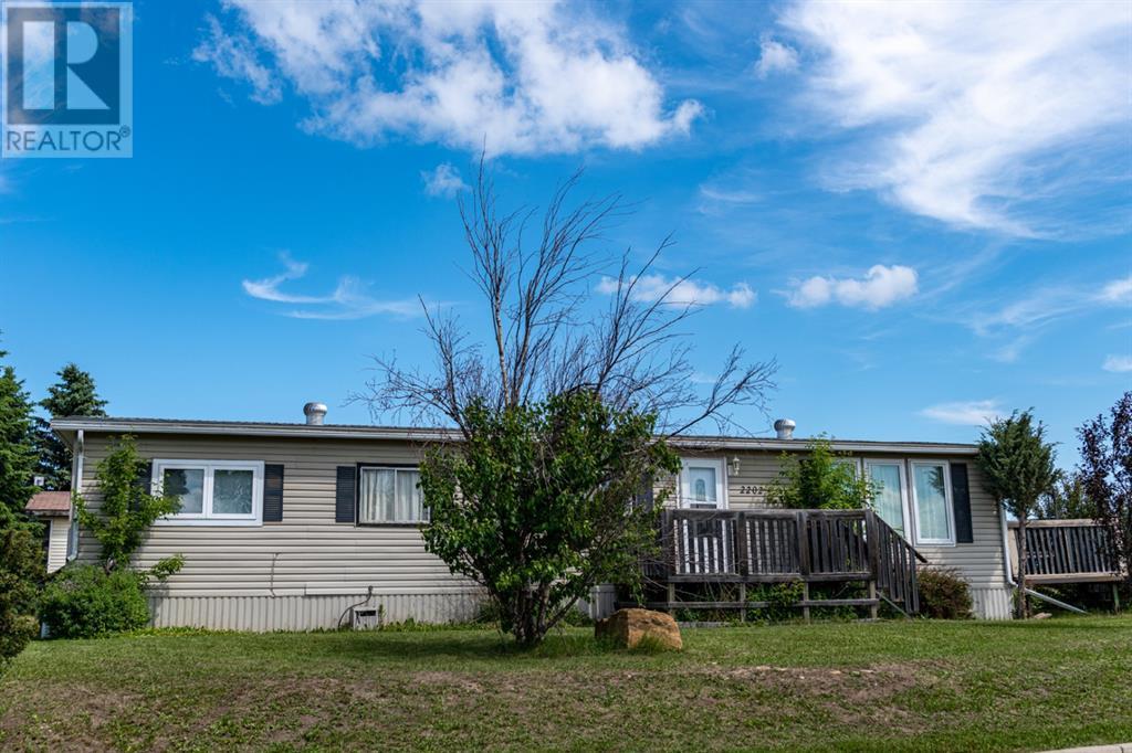 2202 5 Avenue, Wainwright, Alberta  T9W 1H9 - Photo 24 - A1123245