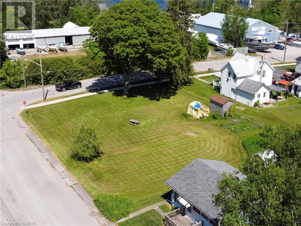 15 Willow Street, Waubaushene, Ontario  L0K 2C0 - Photo 3 - 40139382