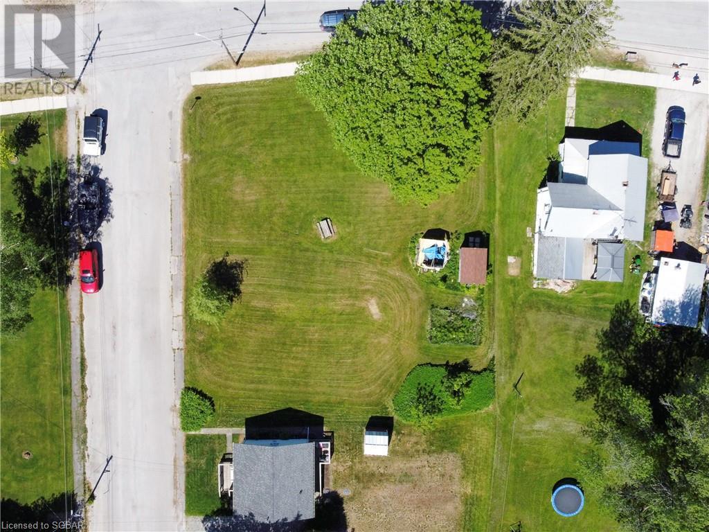 15 Willow Street, Waubaushene, Ontario  L0K 2C0 - Photo 8 - 40139382