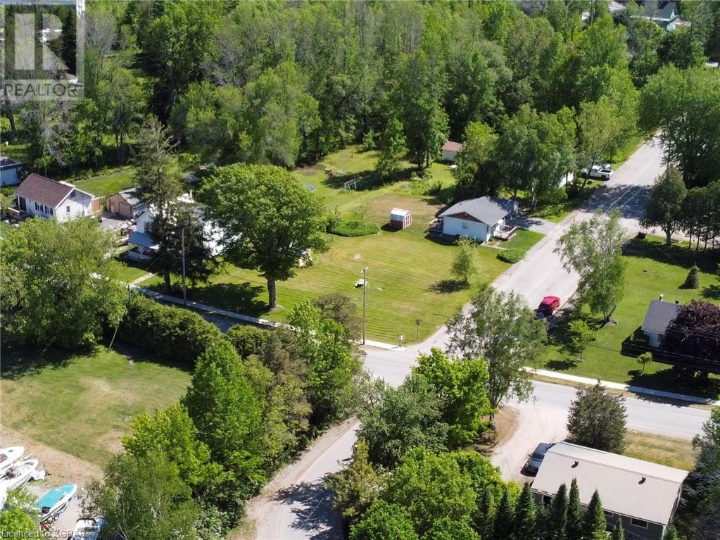 15 Willow Street, Waubaushene, Ontario  L0K 2C0 - Photo 8 - 40138195