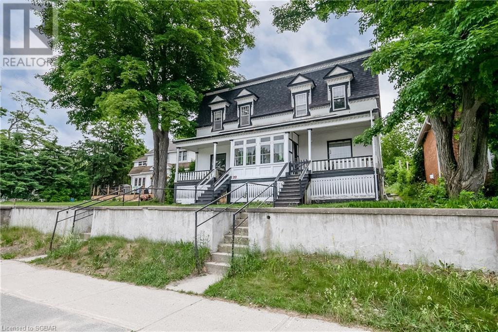 22 Water Street, Penetanguishene, Ontario  L9M 1M8 - Photo 2 - 40140454
