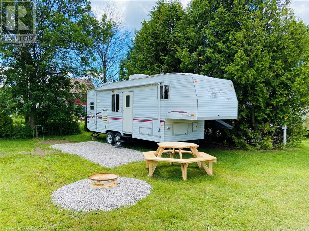 9 Tamarac Road Unit# 16, Stokes Bay, Ontario  N0H 2R0 - Photo 1 - 40134425