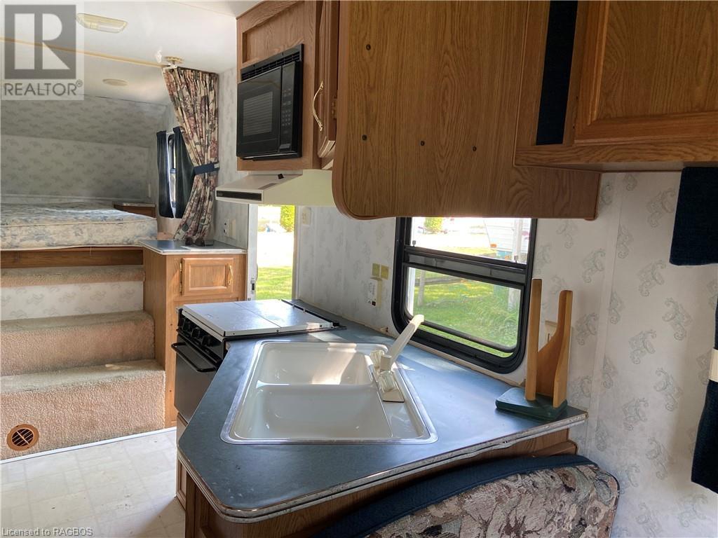 9 Tamarac Road Unit# 6, Stokes Bay, Ontario  N0H 2R0 - Photo 3 - 40134470