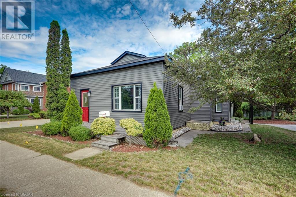 61 Sixth Street, Collingwood, Ontario  L9Y 1Y8 - Photo 2 - 40125319