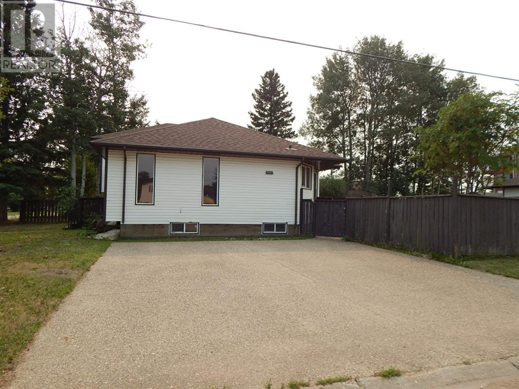 Property Image 2 for 10317 99 Avenue
