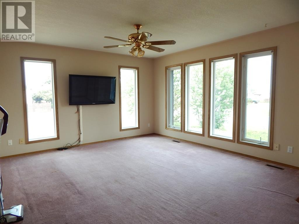 Property Image 6 for 10317 99 Avenue
