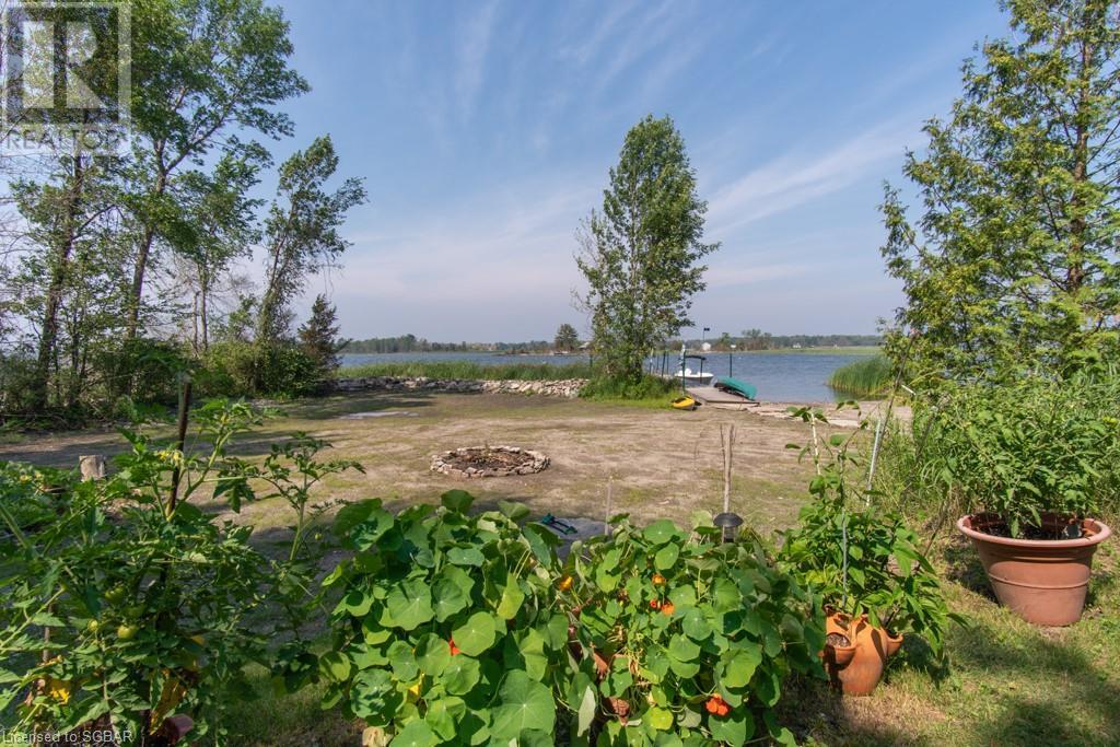 20 Is 404 / Quarry Island, Honey Harbour, Ontario  P0E 1E0 - Photo 8 - 40139148
