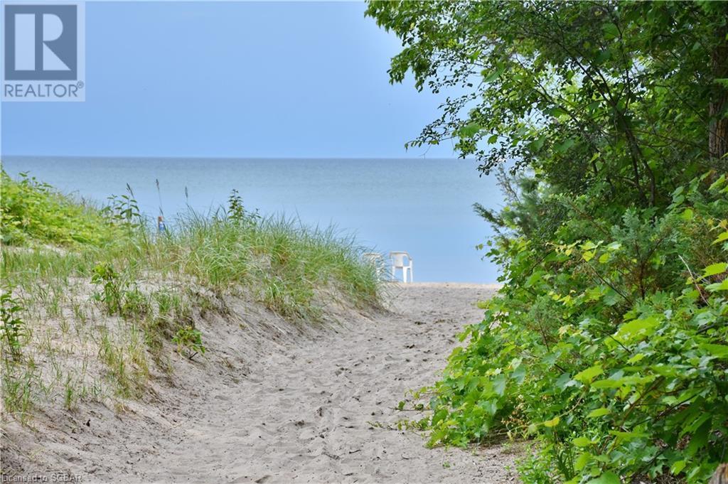 2049 Shore Lane, Wasaga Beach, Ontario  L9Z 1T3 - Photo 16 - 40141749