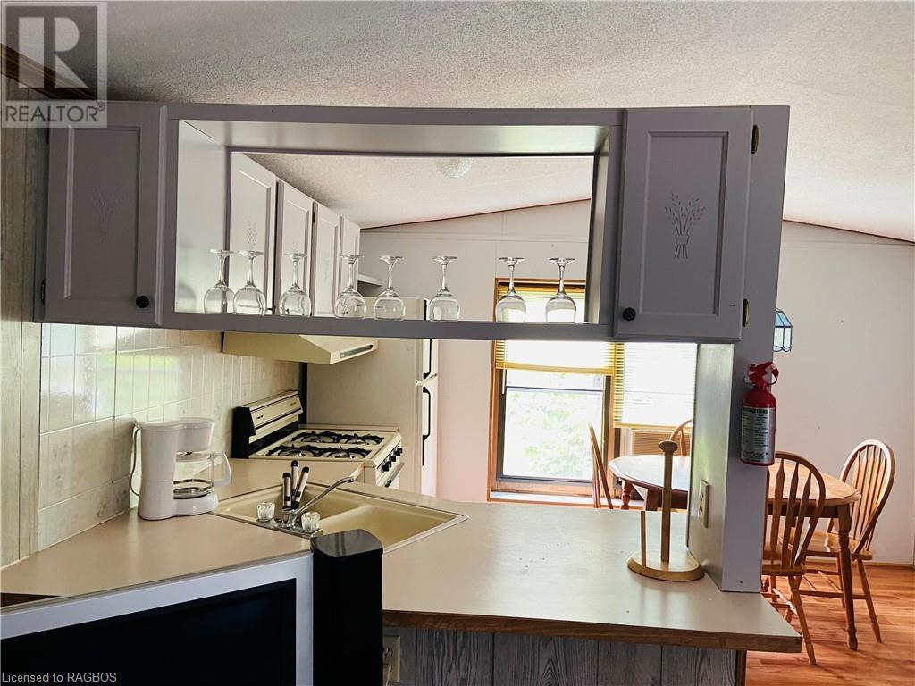 9 Tamarac Road Unit# 8, Stokes Bay, Ontario  N0H 2R0 - Photo 7 - 40143748