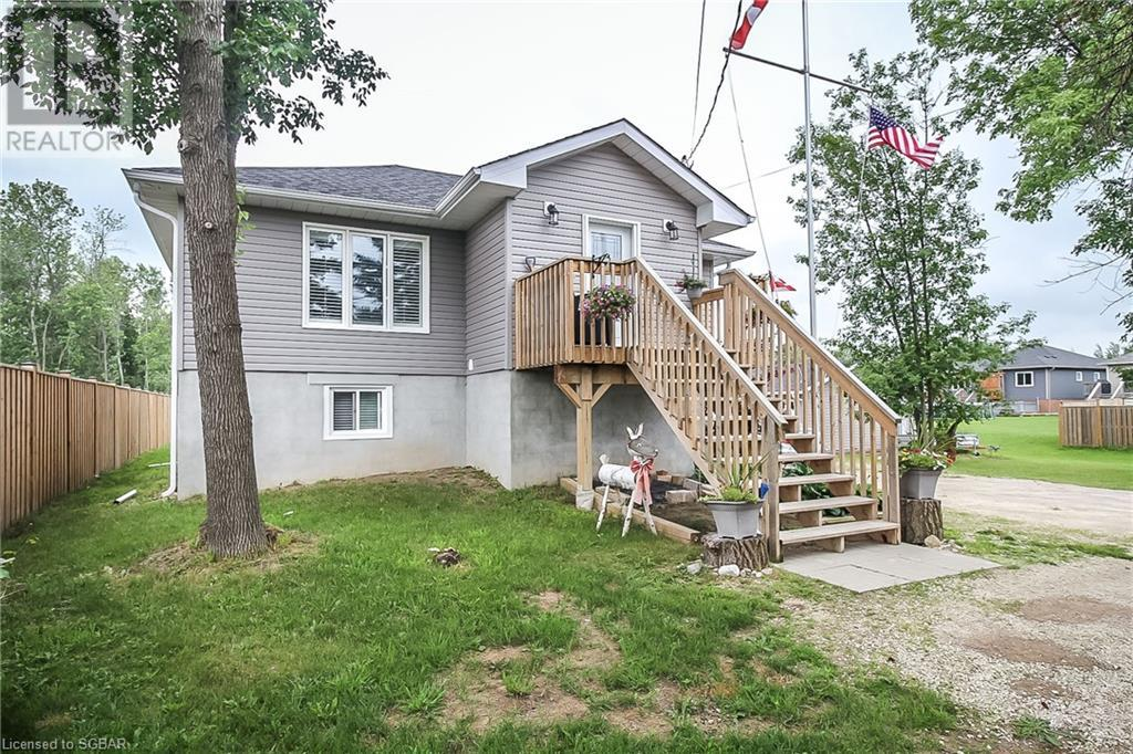 8995 Beachwood Road, Wasaga Beach, Ontario  L9Z 2X9 - Photo 1 - 40144834
