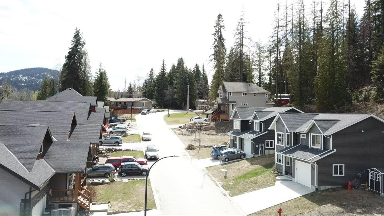 2812 Cedar Crescent, Rossland, British Columbia  V0G 1Y0 - Photo 12 - 2456707