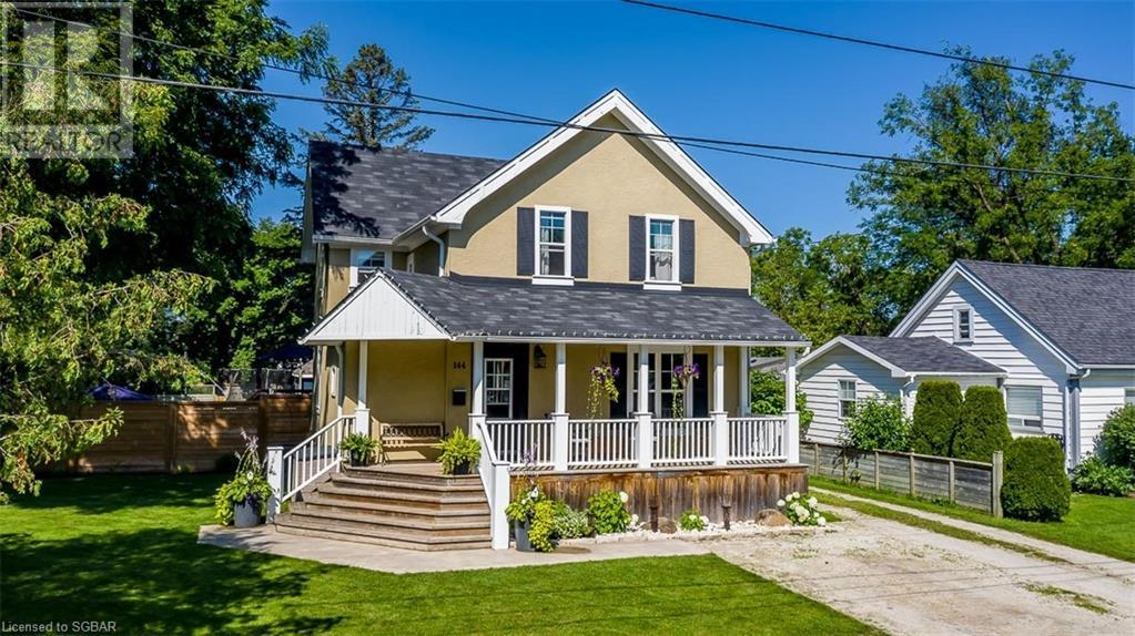 <h3>$949,900</h3><p>144 Hickory Street, Collingwood, Ontario</p>