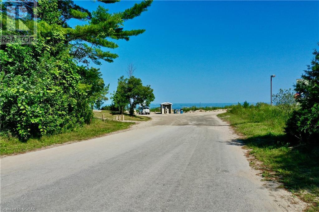 725 River Road E, Wasaga Beach, Ontario  L9Z 2M4 - Photo 13 - 40146626