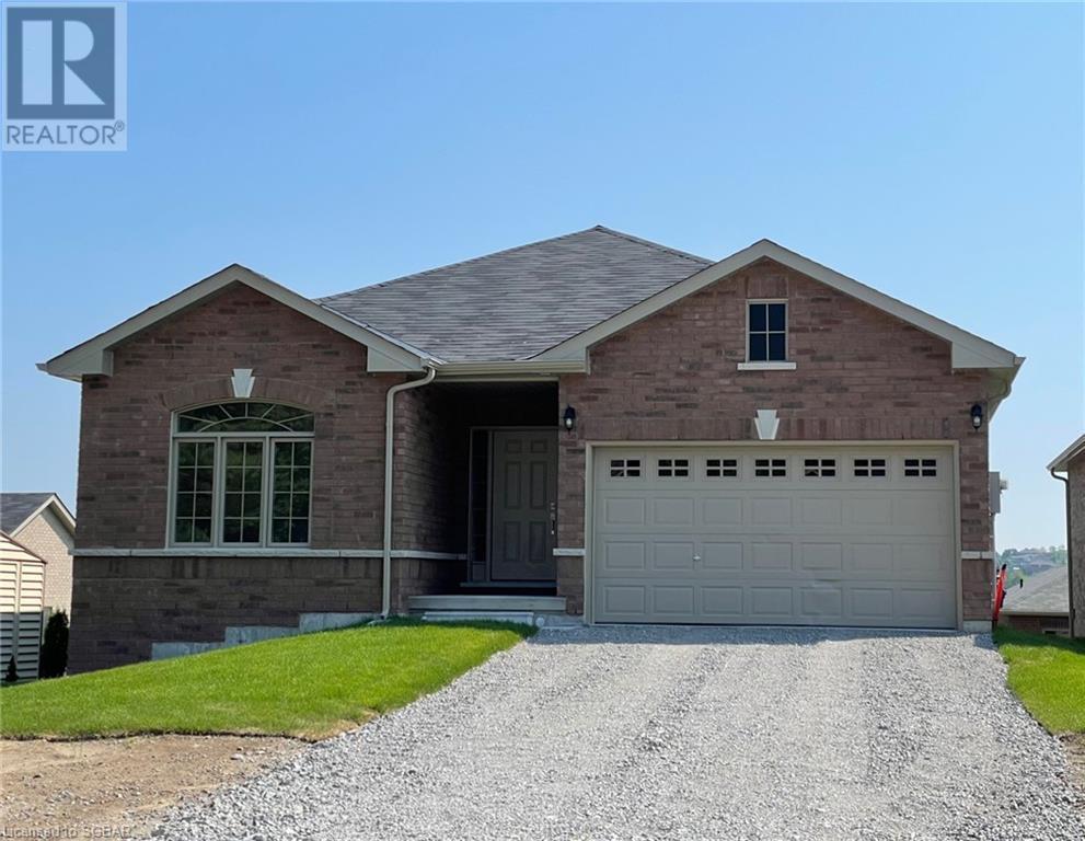 <h3>$2,600<small> Monthly</small></h3><p>14 Beausoleil Drive, Penetanguishene, Ontario</p>