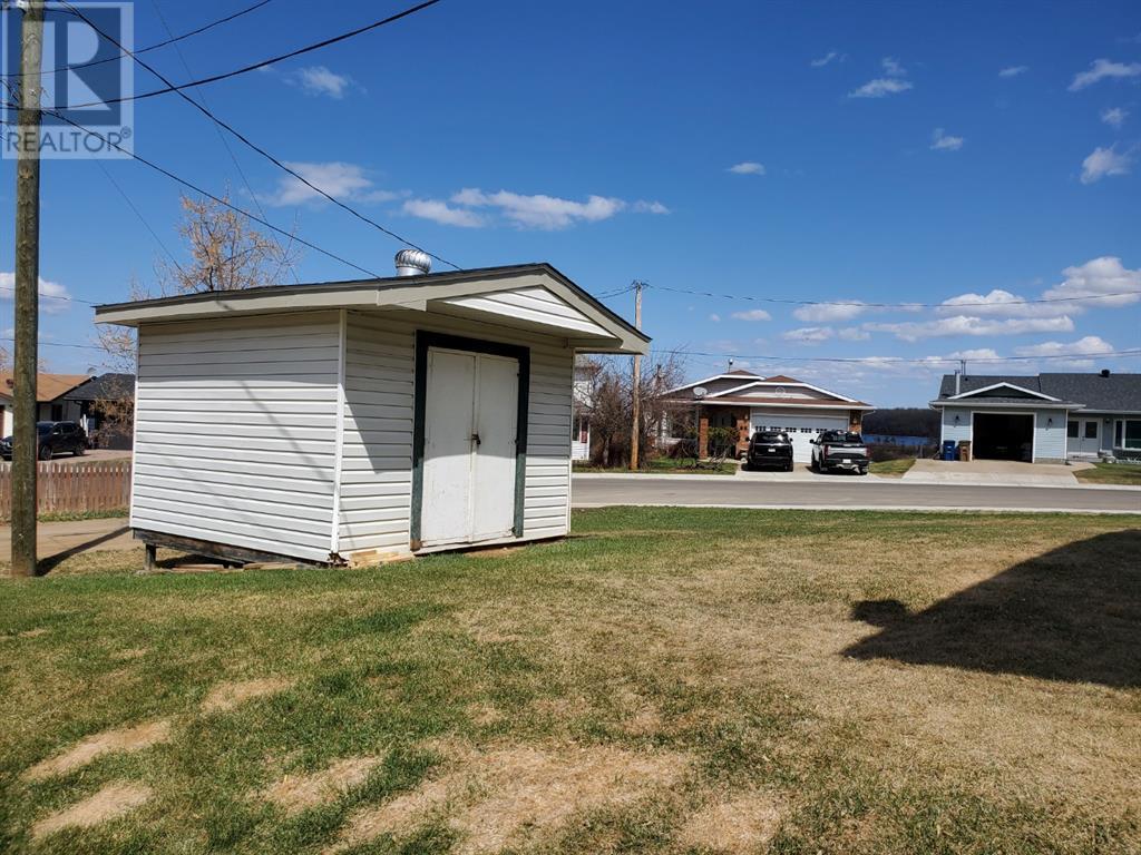 66 Lakeview Crescent, Lac La Biche, Alberta  T0A 2C0 - Photo 4 - A1060666