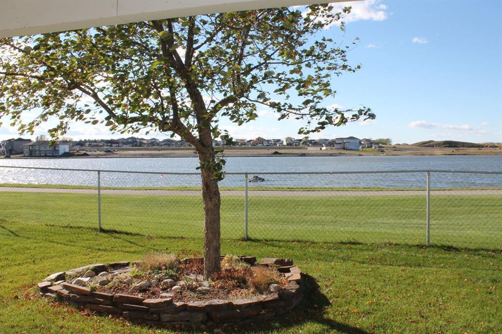 19 Lakes Estates  Circle, Strathmore, Alberta  T1P 0B7 - Photo 5 - A1028408