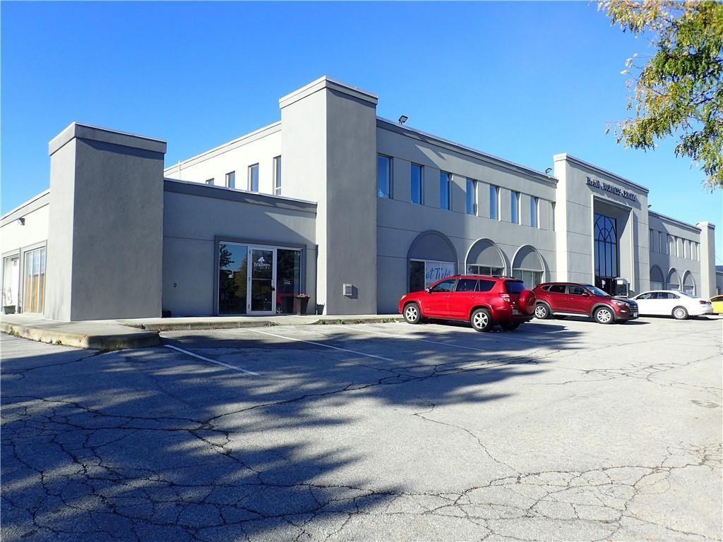 P 1160 Blair Road, Burlington, Ontario  L7M 1K9 - Photo 3 - H4113203