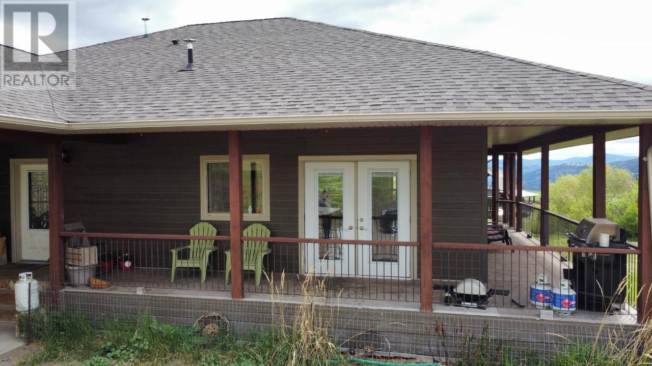 4685 Hwy 3,, Rock Creek/bridesville, British Columbia  V0H 1Y0 - Photo 2 - 189733