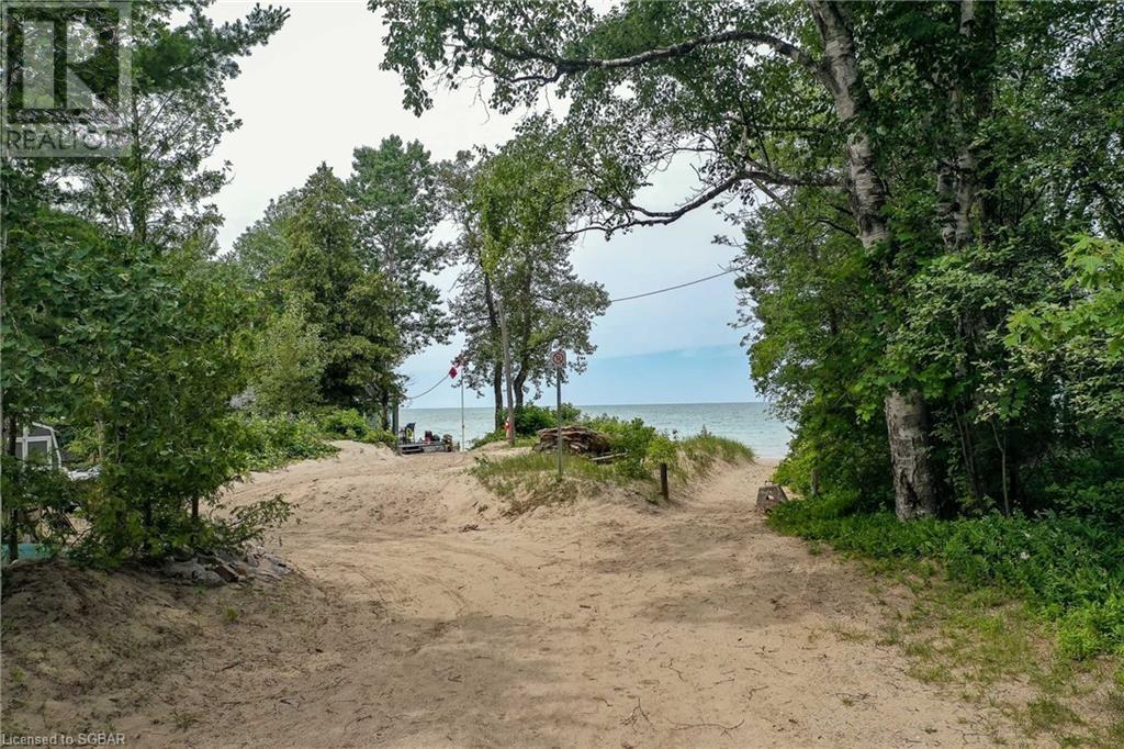 2049 Shore Lane, Wasaga Beach, Ontario  L9Z 1T3 - Photo 5 - 40141749
