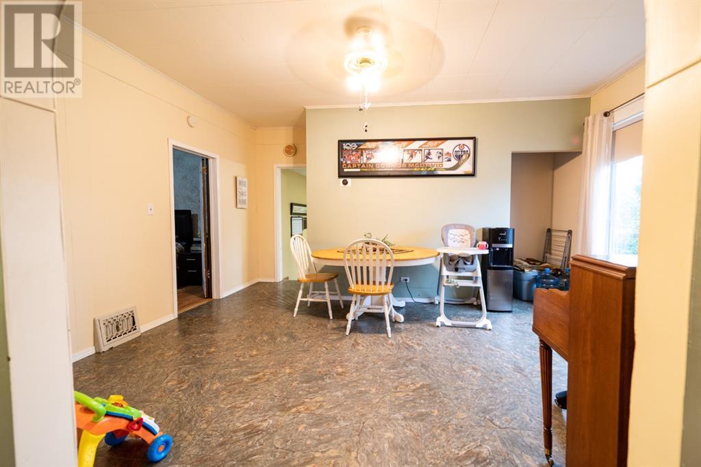 35 Selkirk Avenue, Hughenden, Alberta  T0B 2E0 - Photo 7 - A1135677